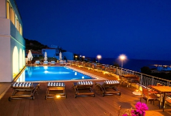 KYTHEA RESORT 4* sup, στα Κύθηρα